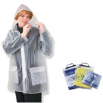 Rainwear With Zipper Closure